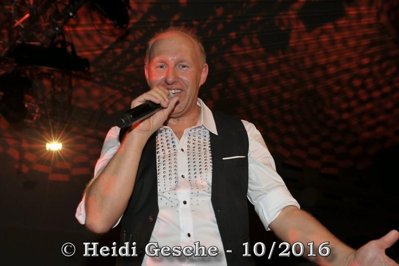 http://www.online-star-news.com/media/galleries/22.10.2016_-_Dirk_Florin_-_Konzert_im_Lito-Palast_in_Oberhausen/DSC_6463.JPG